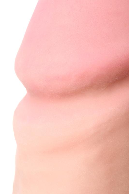 Фаллоимитатор на присоске телесный, 17 см
